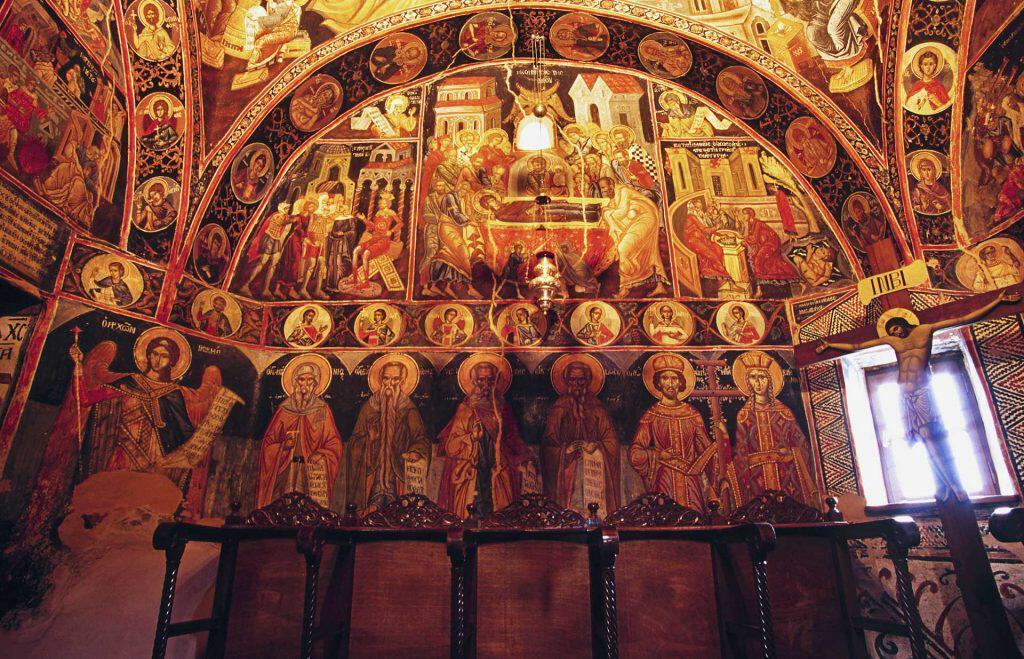 Крестный ход на острове Корфу.  Праздник Успения Пресвятой Богородицы в Метеоре